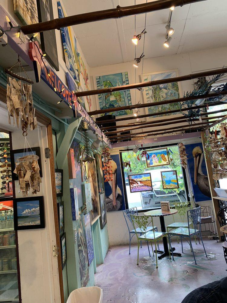 Great Licks Ice Cream Shop: 4643 Pine Island Rd NW, Matlacha, FL
