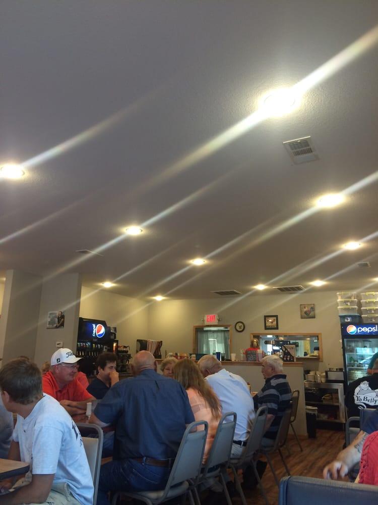 Hamilton Family Cafe: 1860 Keokuk St, Hamilton, IL