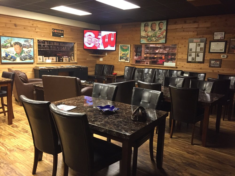 Smokers Choice: 729 N Green St, Brownsburg, IN
