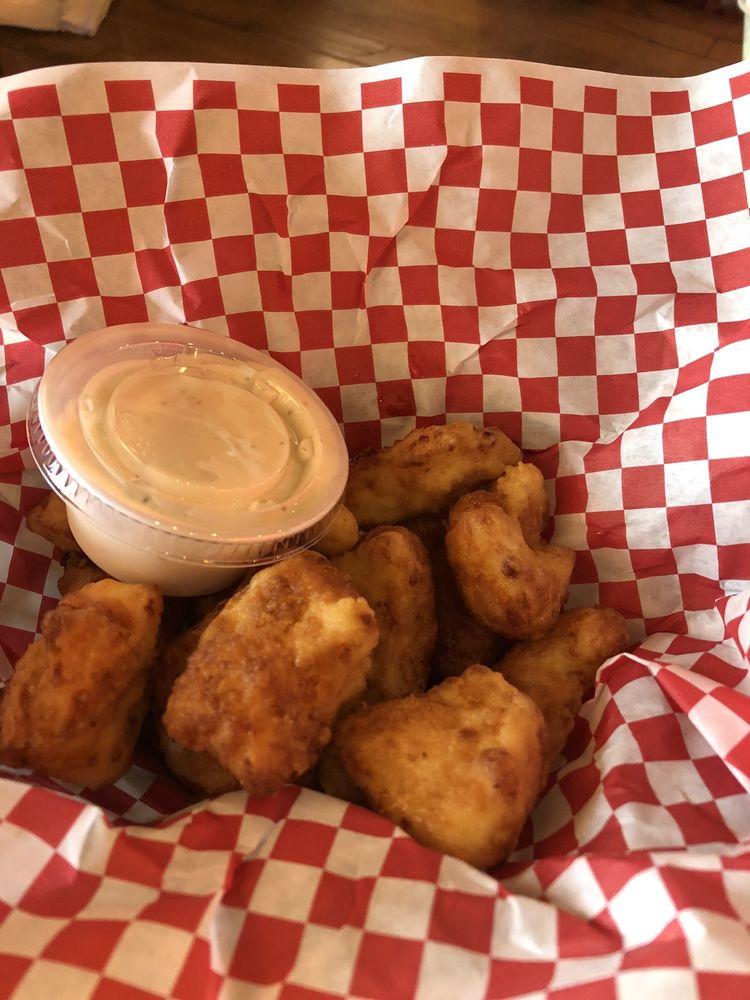 Gassers Bar and Grill: 910 N Main St, Viroqua, WI