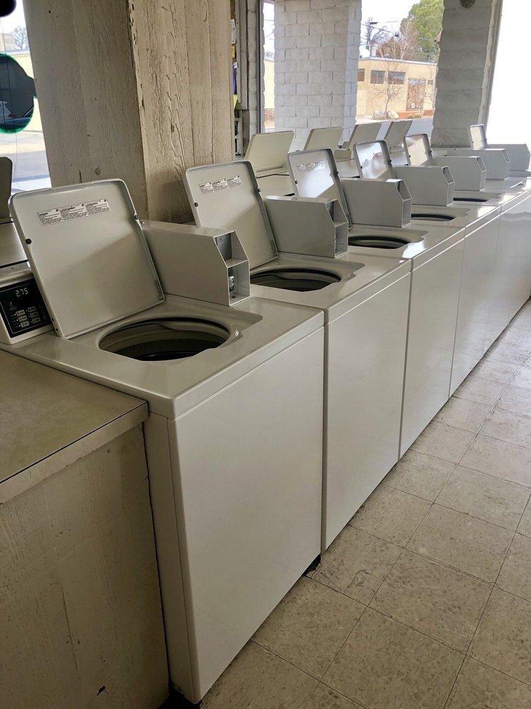 Wash Tub Coin-Op Laundry: 236 N Warren St, Bishop, CA