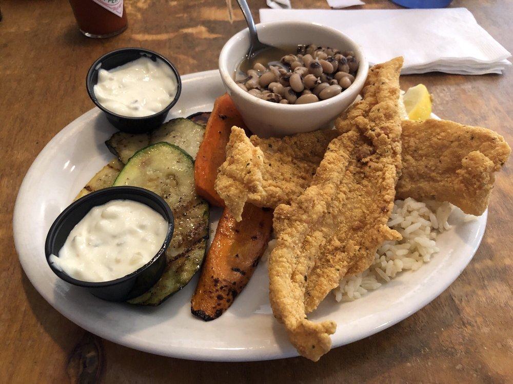 Lone Star Cafe: 100 Dynasty Dr, Hillsboro, TX