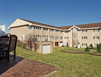Days Inn by Wyndham Carrollton: 1111 Canton Road, Carrollton, OH