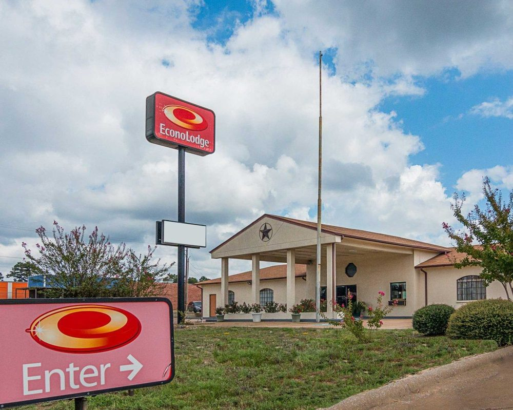 Econo Lodge Nacogdoches University Area: 2020 NW Stallings Drive, Nacogdoches, TX