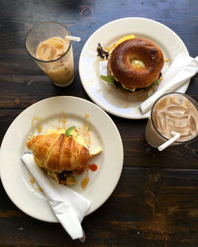 Passe Cafe & Bar