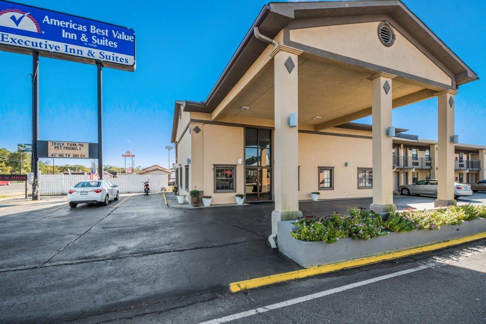 Americas Best Value Inn & Suites Arkadelphia: 141 Valley Street, Arkadelphia, AR
