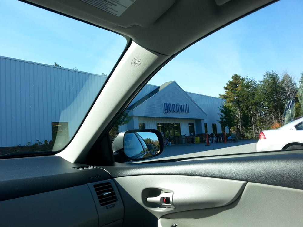Goodwill Store: 106 Park Dr, Topsham, ME