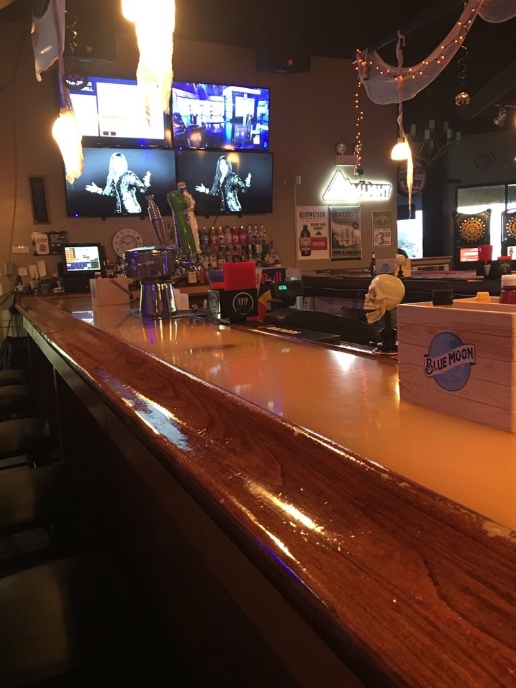Office Bar And Grill: 25520 S Pheasant Ln, Channahon, IL