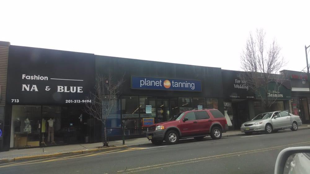 Planet Sun Tanning Salon & Boutique: 715 Anderson Ave, Cliffside Park, NJ