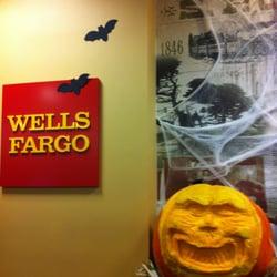 Village Oaks Branch of Wells Fargo Bank NA in Bakersfield, CA