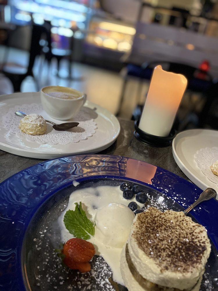 Ruggles Dessert Cafe: 3411 Kirby Dr, Houston, TX