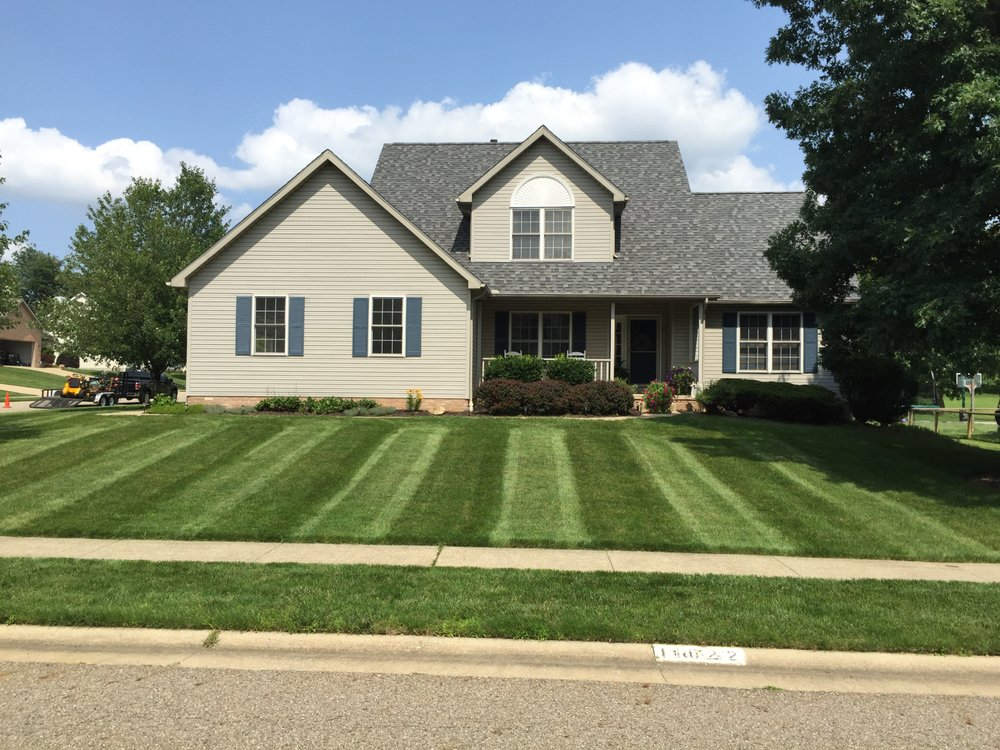Top Turf Lawn Care: 12199 San Marino Ave NW, Uniontown, OH