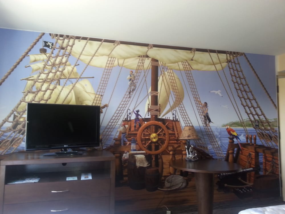 Now featuring a 2bedroom 2 bath Pirate themed room. Ask for room type XOTN!! - Yelp