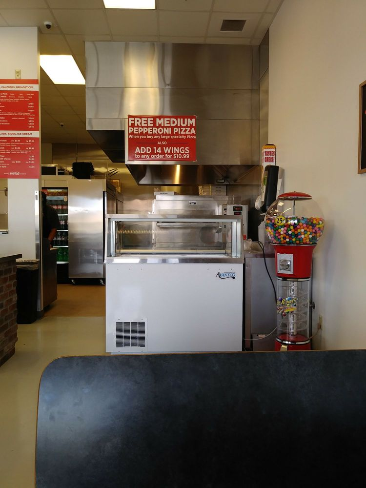 Pizza Edge: ​41769-C Hwy US 191, Ganado, AZ