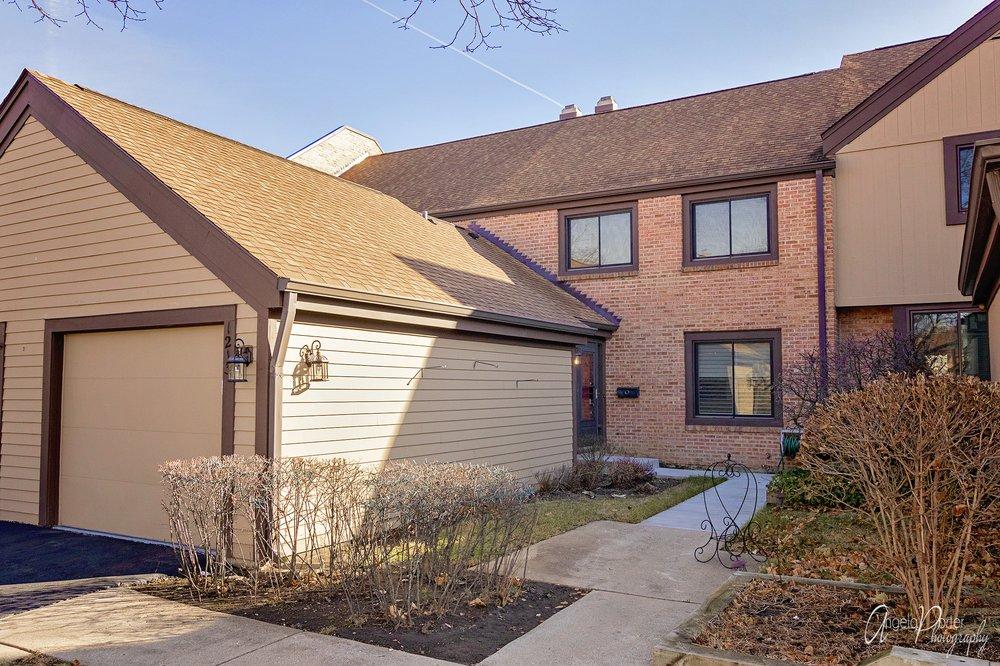 Karen Danenberg Group - RE/MAX Suburban: 1125 Weiland Rd, Buffalo Grove, IL