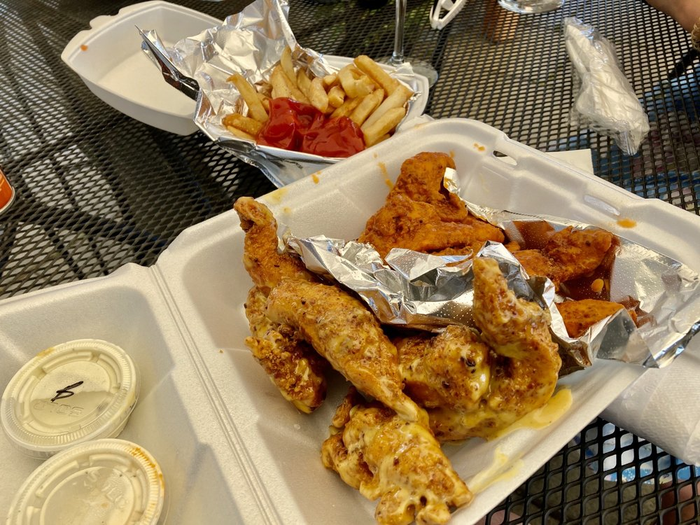 Archies Wingz & Things
