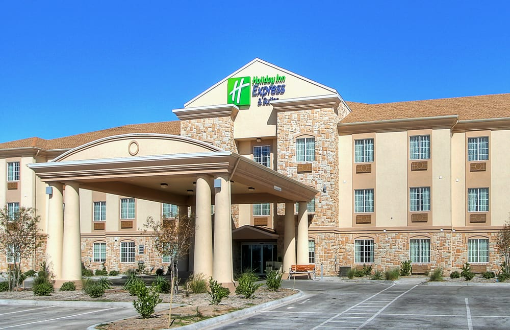 Holiday Inn Express & Suites Pecos: 1900 S Cedar Rd, Pecos, TX
