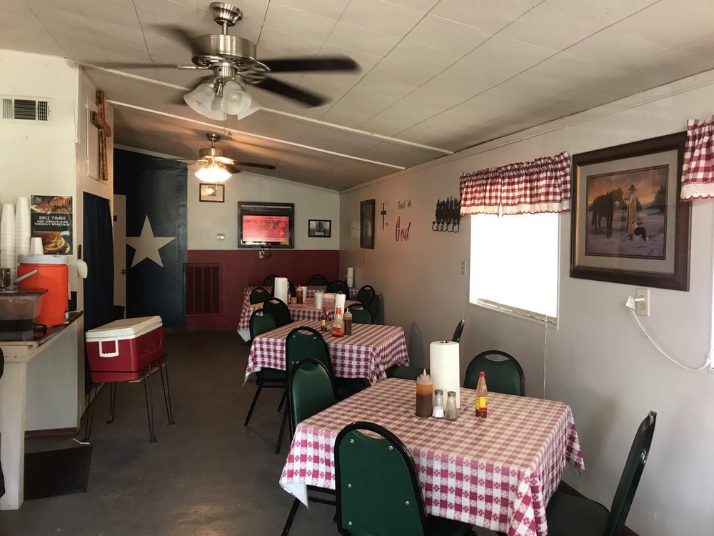Smokin A's Bar-B-Que: 990 Fm-616, Blessing, TX