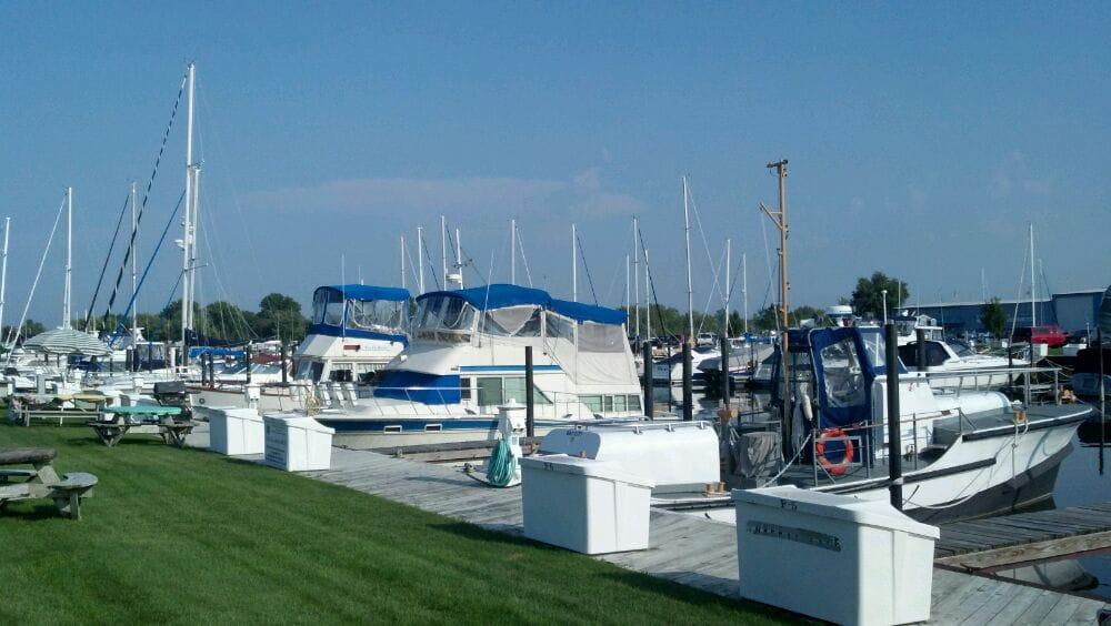 Bay Harbor Marina: 5309 Wilder Rd, Bay City, MI