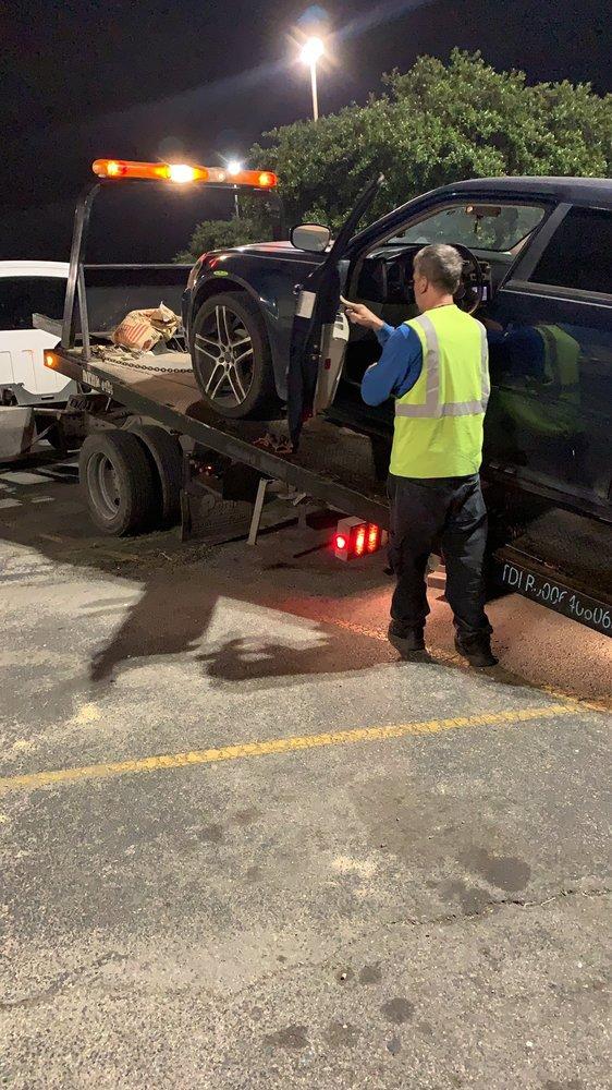 PHIL Z Towing: 6360 W Old Us Hwy 90, San Antonio, TX
