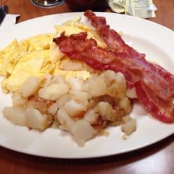 Photo Of Rounds Restaurant Traverse City Mi United States Breakfast