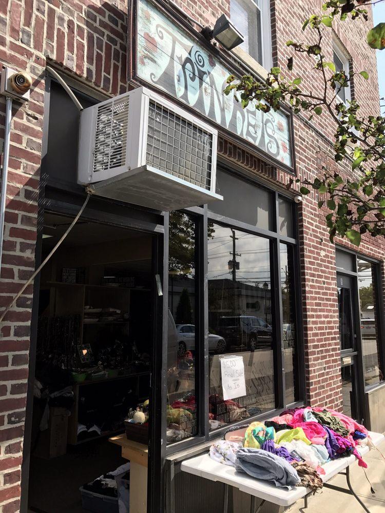 Trinkets: 18 New St, Hewlett, NY