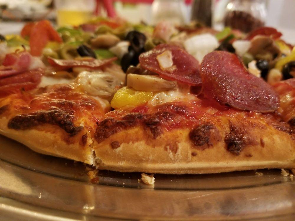 Joe's Pizza: 102 W Sale St, Tuscola, IL