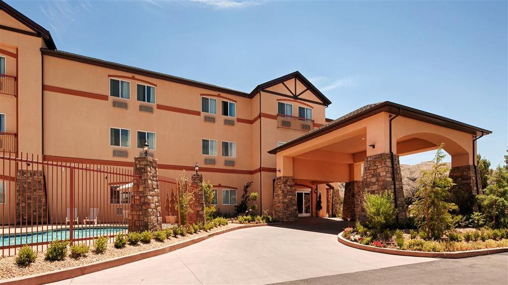 Best Western Plus Zion West Hotel: 44 W 500th N, La Verkin, UT