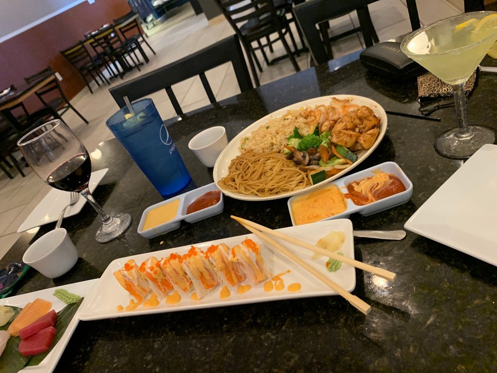 Hinode Japanese Steakhouse and Sushi: 129 N Massey Blvd, Nixa, MO