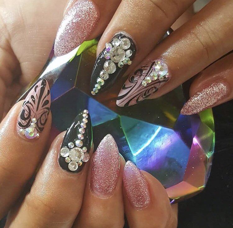 Lmour nail beauty salon gift card o publicscrutiny Image collections