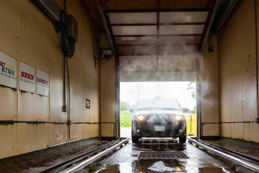 Wash King Car, Truck & Pet Wash: 528 N Hancock St, Ottumwa, IA