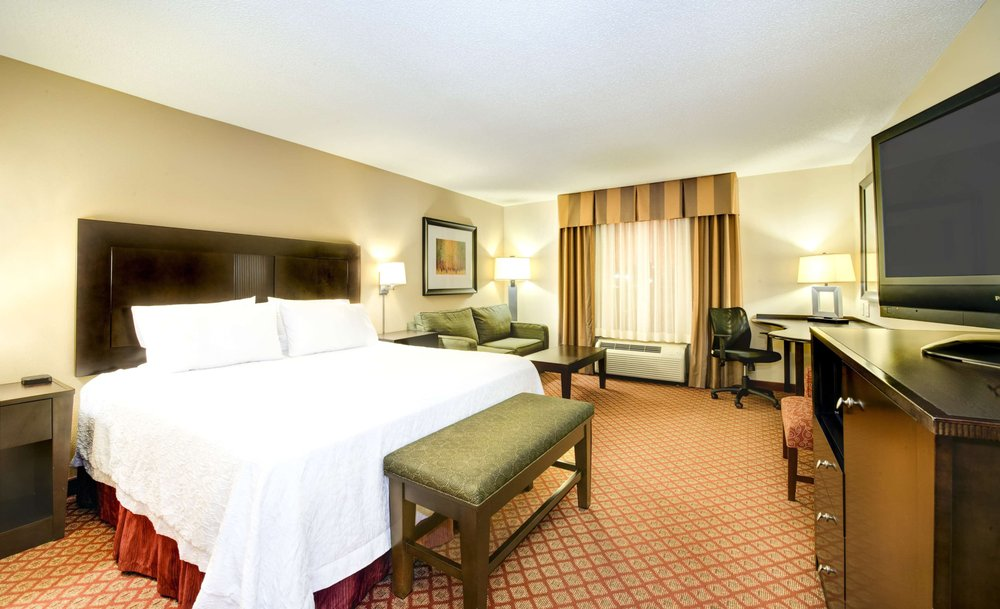 Hampton Inn & Suites Scottsboro: 24747 John T Reid Pkwy, Scottsboro, AL