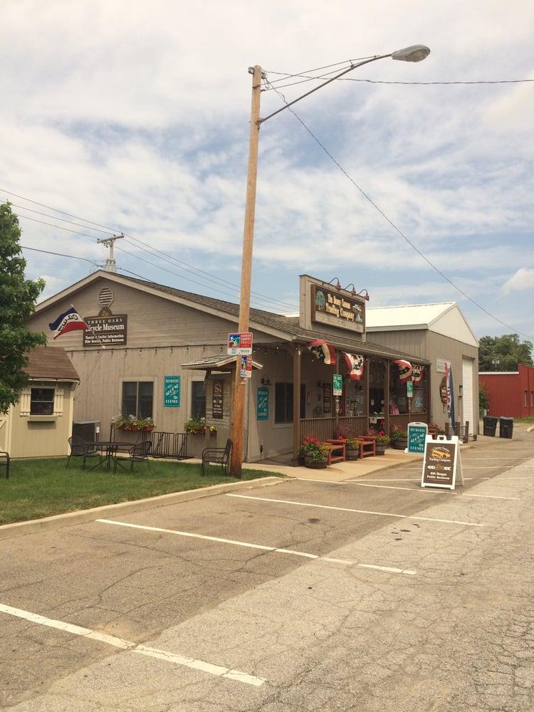Dewey Cannon Trading Company: 3 Dewey Cannon Ave, Three Oaks, MI