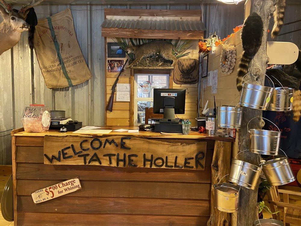 Hillbilly Slim's: 16130 AR-16, Witts Springs, AR