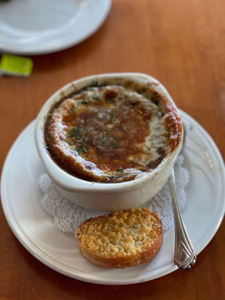 Weathervane Restaurant: 106 Pine River Ln, Charlevoix, MI