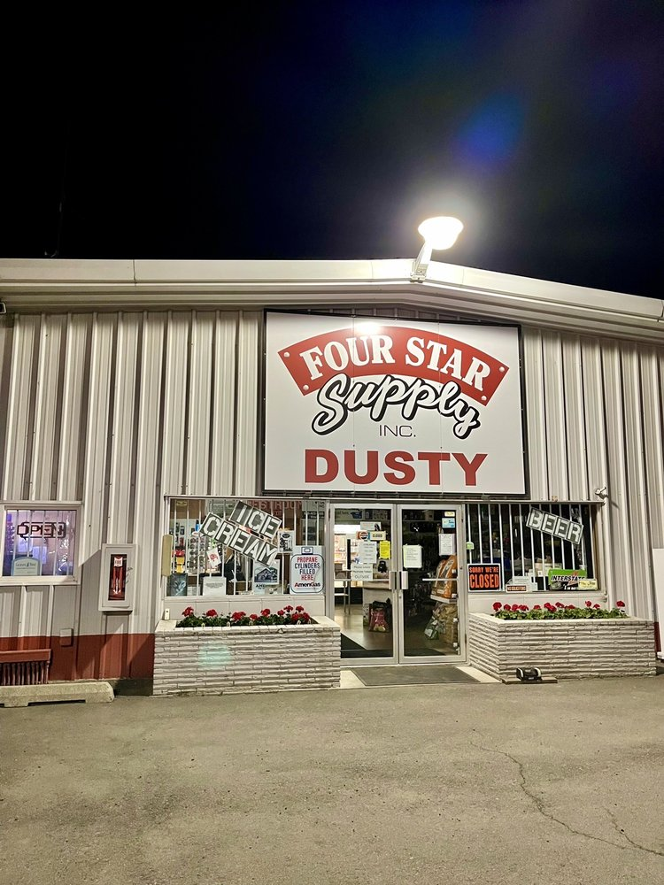 Four Star Diesel & Gas Station: Dusty, WA