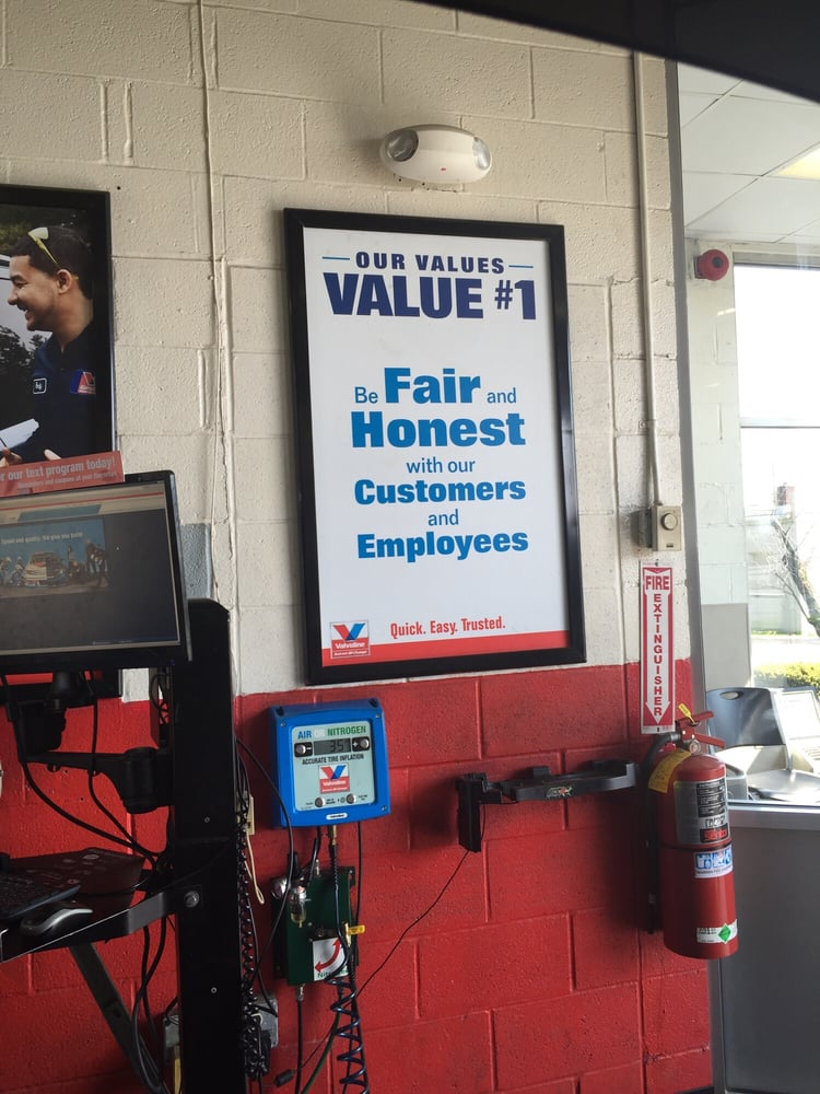 Instant Oil Change Near Me >> Valvoline Instant Oil Change - Oil Change Stations - 2769 Elm Rd, Warren, OH - Phone Number - Yelp