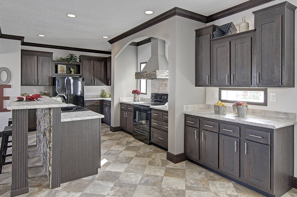 Modular Home Solutions: 1323 S Madison St, Whiteville, NC