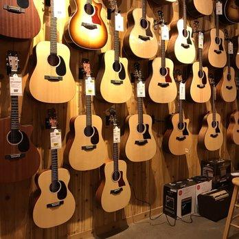 guitar center 13 photos 12 reviews guitar stores 3910 university ave west des moines. Black Bedroom Furniture Sets. Home Design Ideas