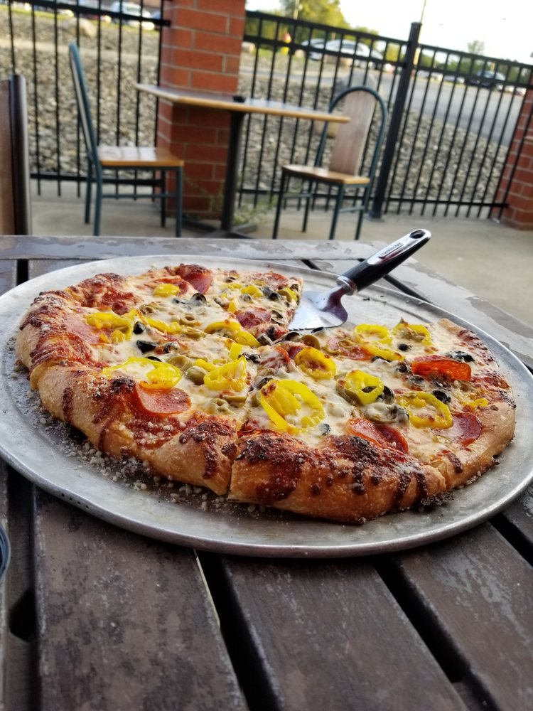 Max's Pizza And Grill: 2825 N Ridge Rd E, Ashtabula, OH
