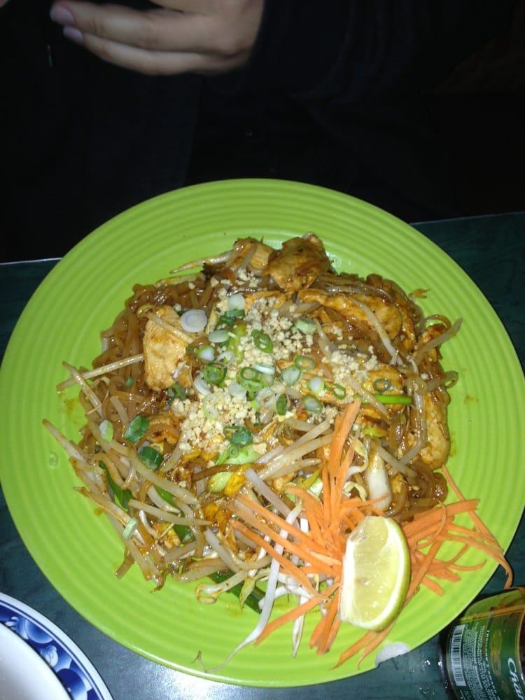 Asian noodle dish at aspen restaurant photos 368