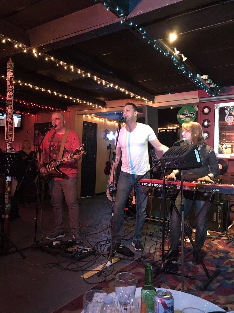 Bartini Bar: 124 N Carll Ave, Babylon, NY