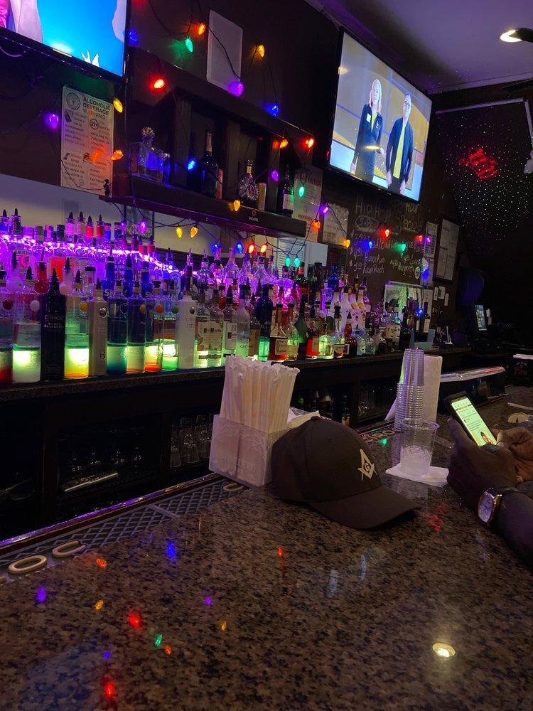 Lounge of Three