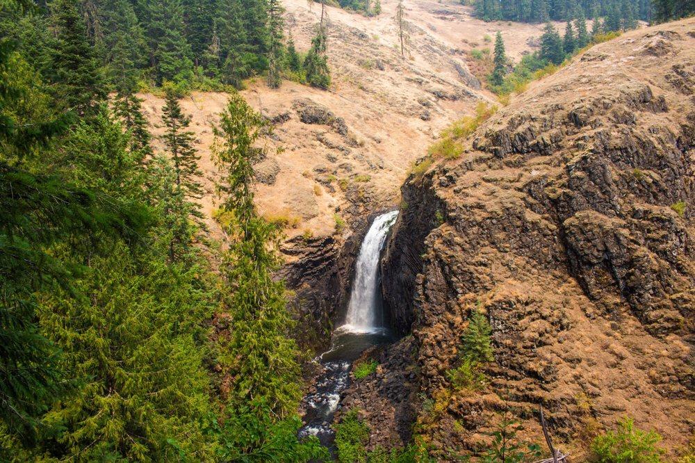 Elk Creek Falls: Elk Creek Falls Rd, Elk River, ID