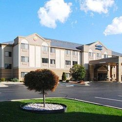 Photo Of Comfort Inn Suites Jackson Mi United States