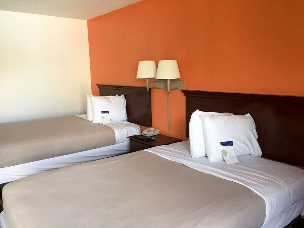 Motel 6: 3196 Point South Dr, Yemassee, SC