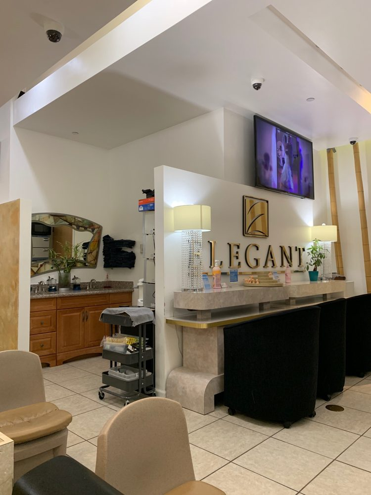 Elegant Nails & Spa: 552 Pittsburgh Mills Cir, Tarentum, PA
