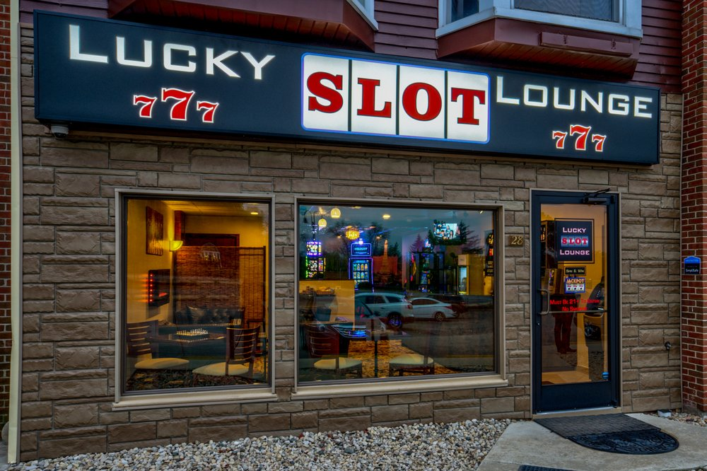 Lucky Slot Lounge: 8695 S Archer Ave, Willow Springs, IL