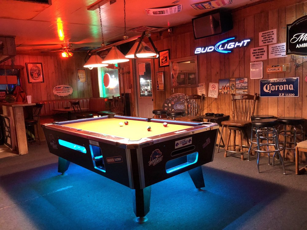 Outlaws & Angels: 204 Hwy 30, Bliss, ID