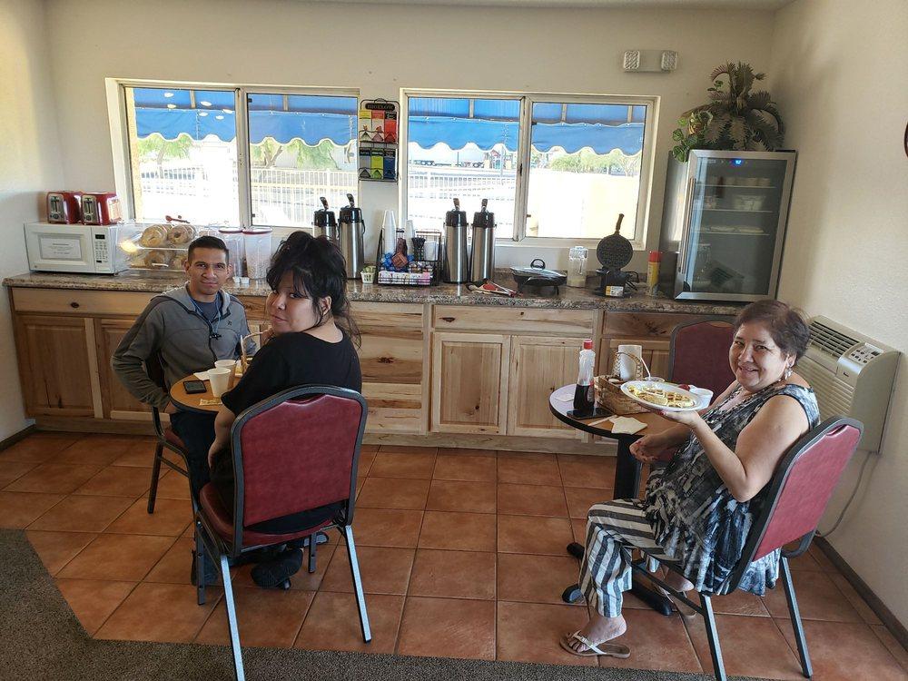 America's Choice Inn & Suites: 2888 Butterfield Trl, Gila Bend, AZ
